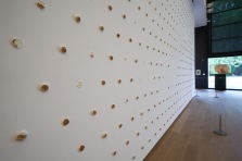 Goosebump. Pfeffernüsse and royal icing on wall. 18 x 5 metres. Photo courtesy of Tinguely Museum and David Spehr